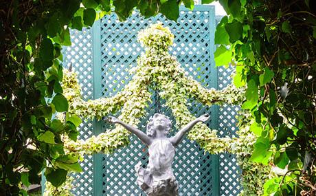 Inspiration Dekoration Blumen Pflanzen Statue
